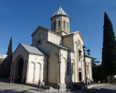 Сегодня у нас в Праздник Георгоба в храме пел грузинский хор - Церковь Георгия Победоносца - Тбилиси - Грузия.jpg