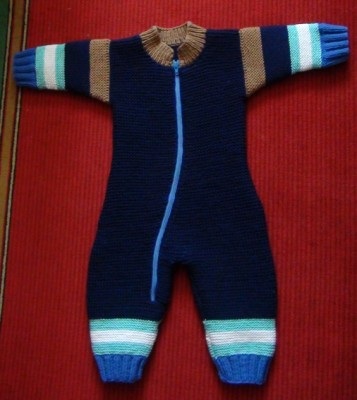 Вязание на спицах - комбинезон синий.jpg